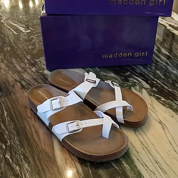 Madden Girl Brycee Sandal In White Pari